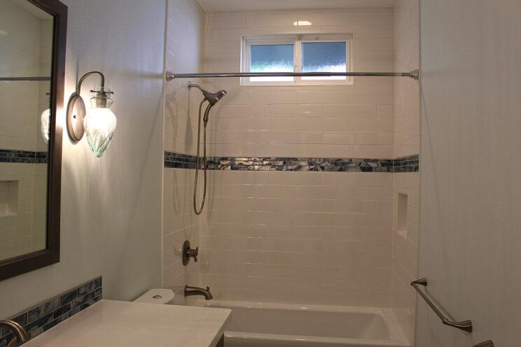 08-Guest-Bath