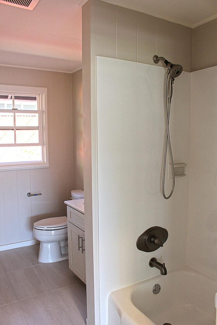 10-Guest-Bath