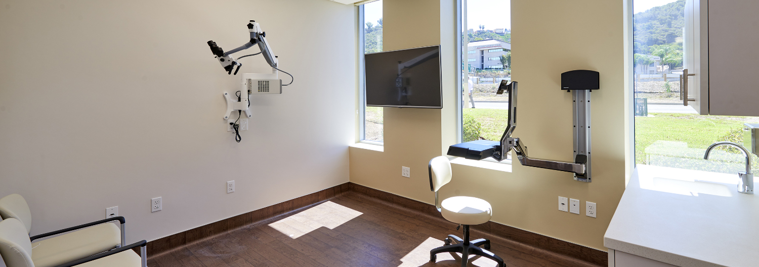 senta-clinic-physician-surgeon-doctor-health-surgery-medical-condition-best-missionvalley-office-otolaryngology-patient-disorder-equipment-san-diego