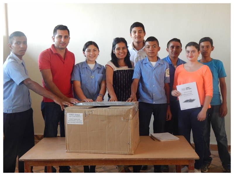 Honduras Robot gets Unpacked