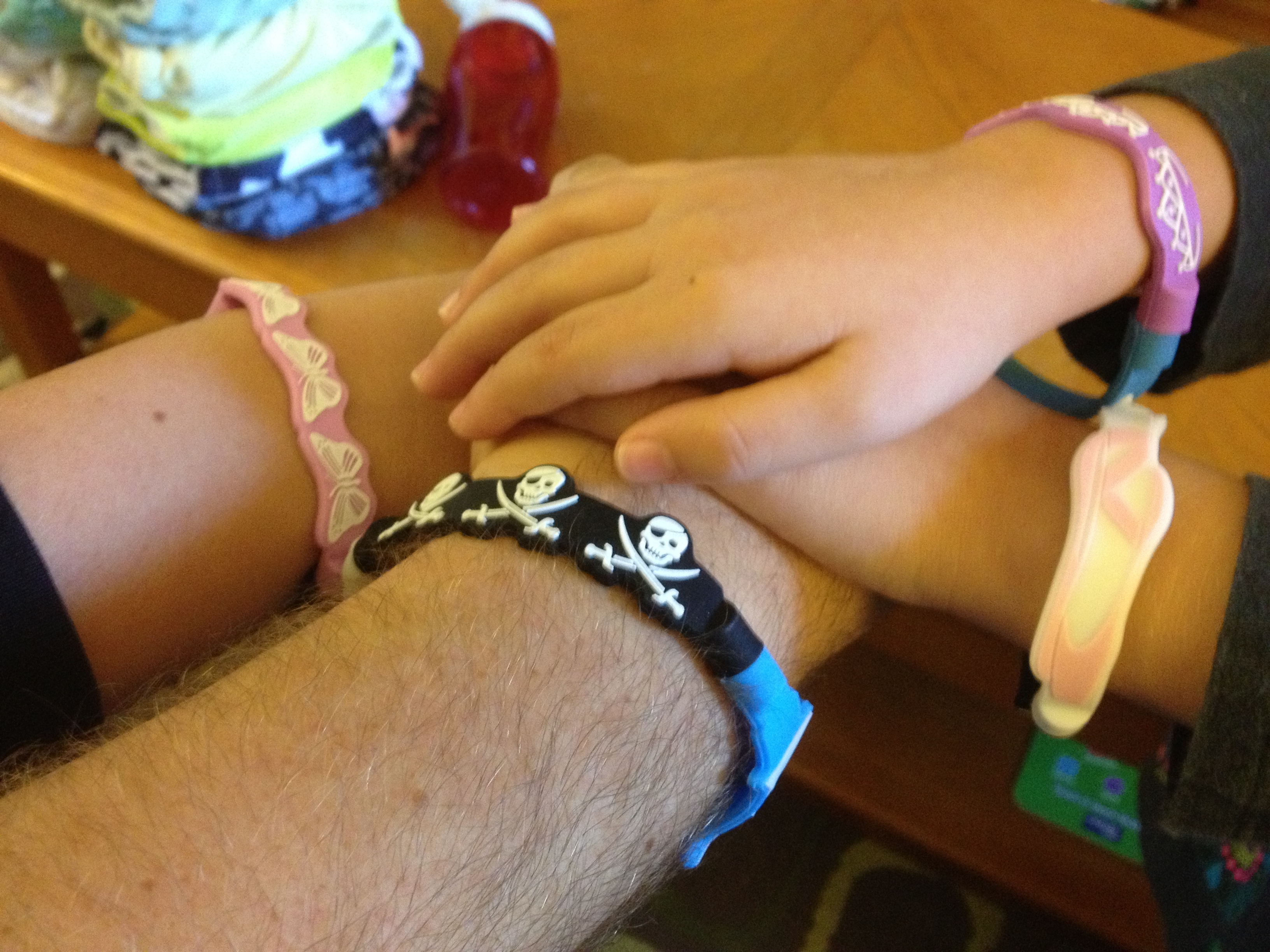 Toy Review: Mungi Magnetic Bands
