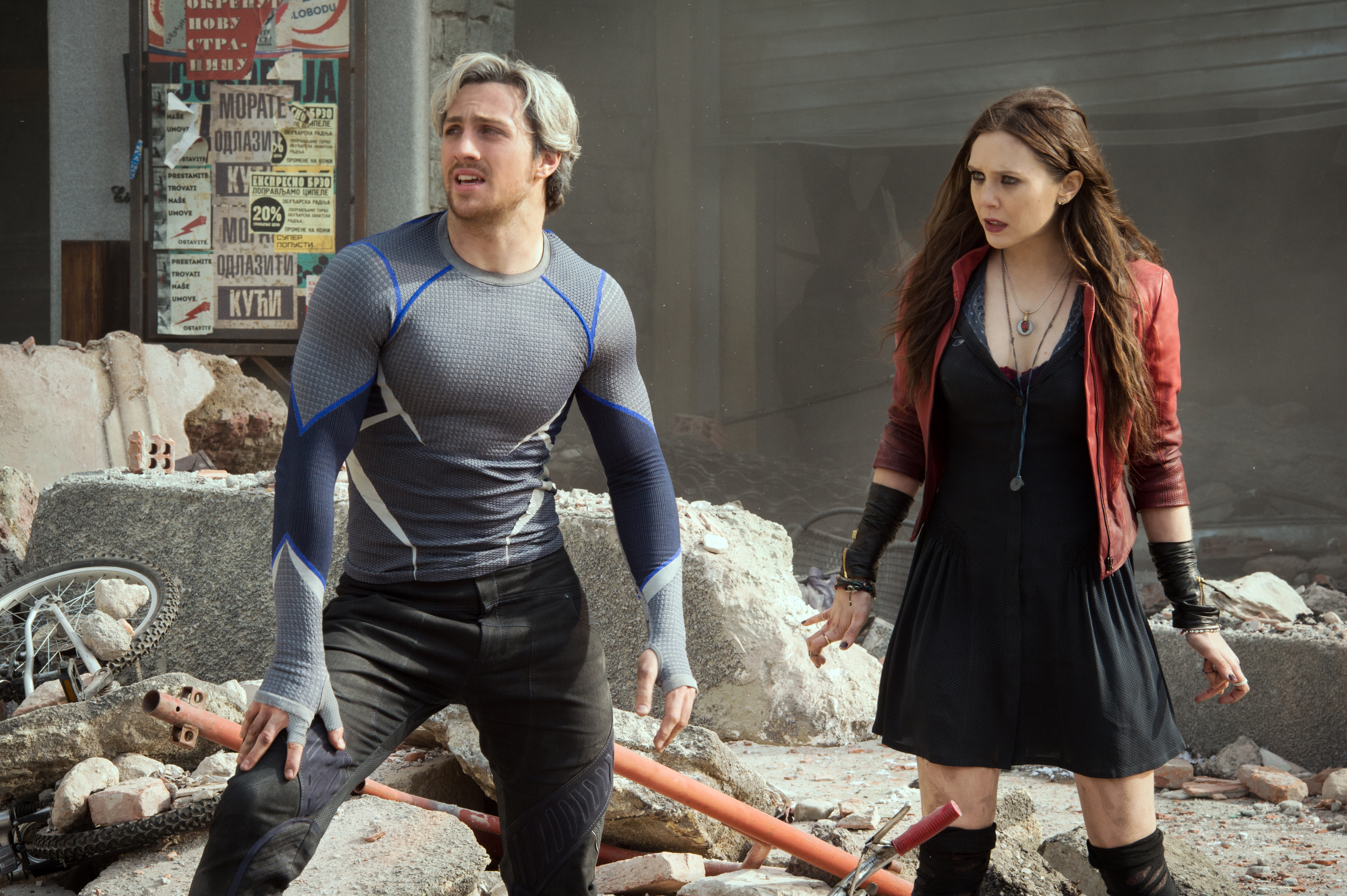 Marvel's Avengers: Age Of Ultron..Quicksilver/Pietro Maximoff (Aaron Taylor-Johnson) and Scarlet Witch/Wanda Maximoff (Elizabeth Olsen)..Ph: Jay Maidment..?Marvel 2015