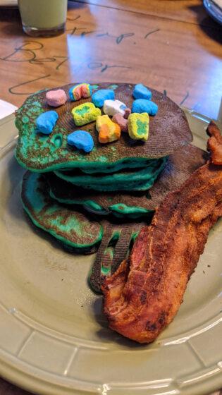 Green Pancakes for Breakfast