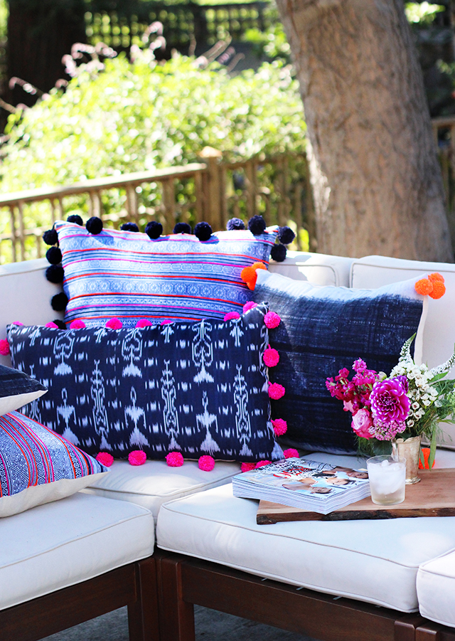 Make these adorable pom pom trimmed pillows!