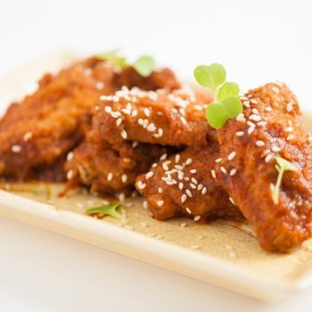 Chicken wings with honey barbecue sauce