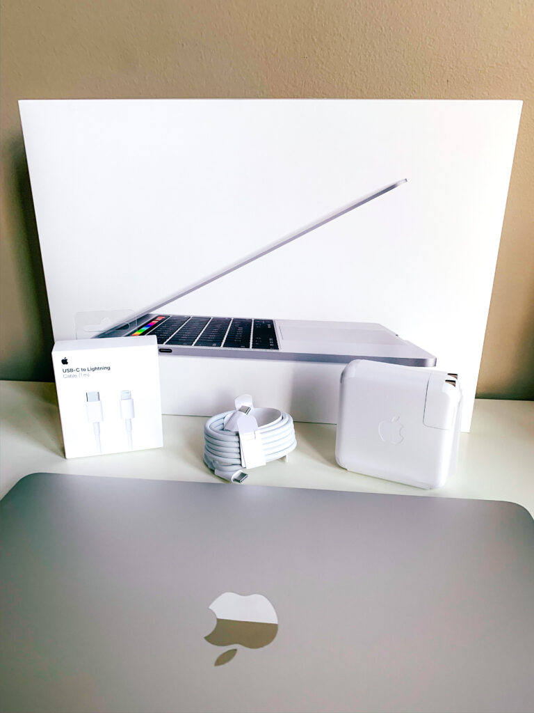 MacBook Pro vs MacBook Air - which you choose?   Detailed comparison of the two laptops and MacBook Pro unboxing video.  #macbookpro #macbook #maclaptop