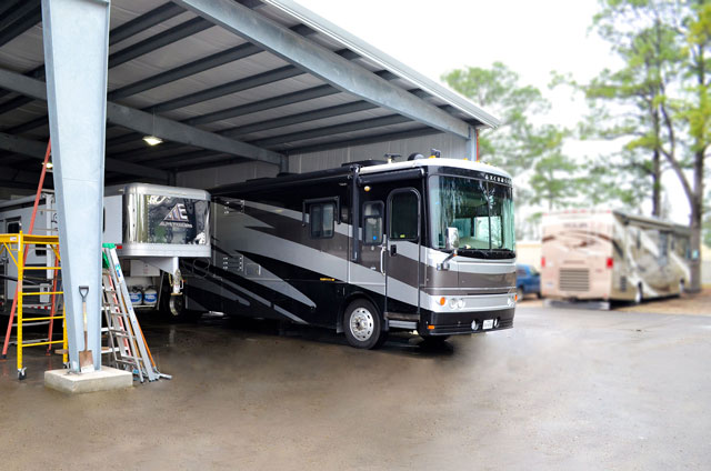 RV_Service_Area_M_Dues-Camping-Center_Dickinson,TX