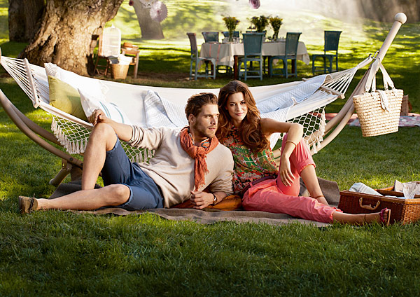 SS-Lawn-Couple_RTO