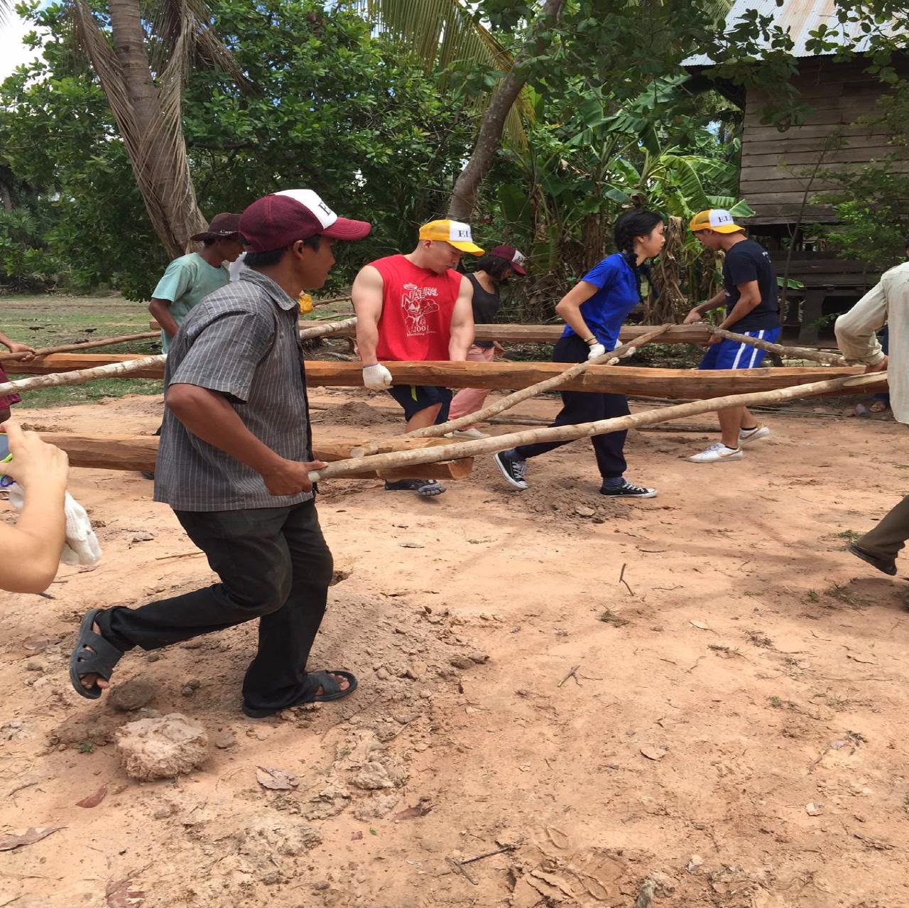 柬埔寨偏鄉村落服務