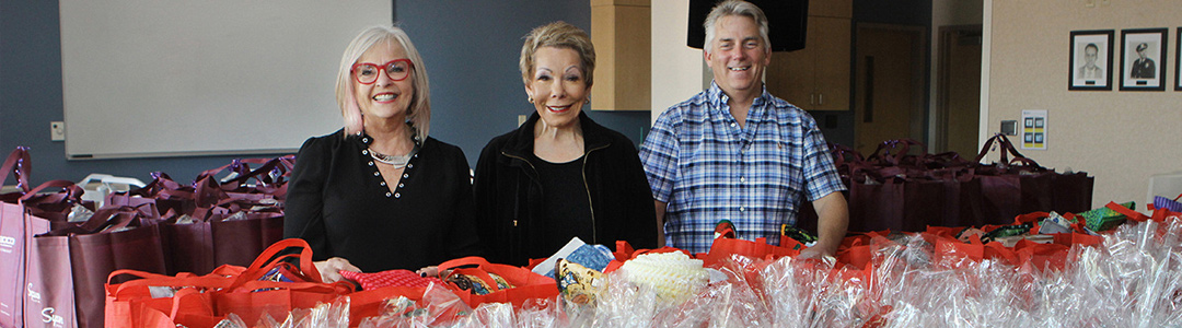 """La Mesa Chamber Annual Senior Holiday Project """"Puts a Little Love"""" in Many Hearts!"""