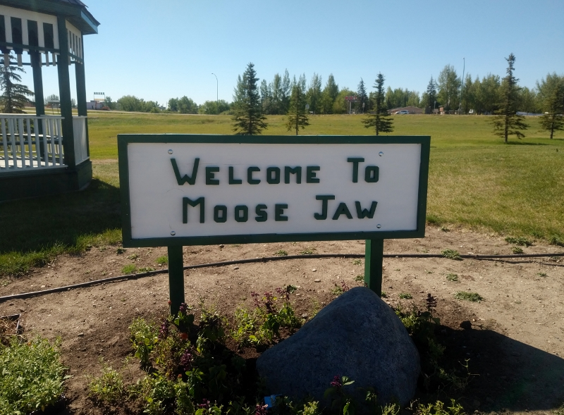 Welcome to Moose Jaw signn