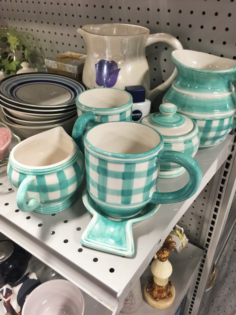 Thrifty Find Thursday | Cracker Barrel Pottery