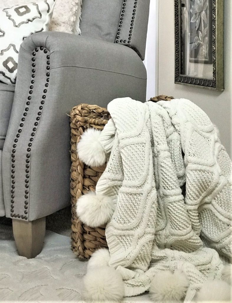 Baskets For Trow Blankets And Pillows