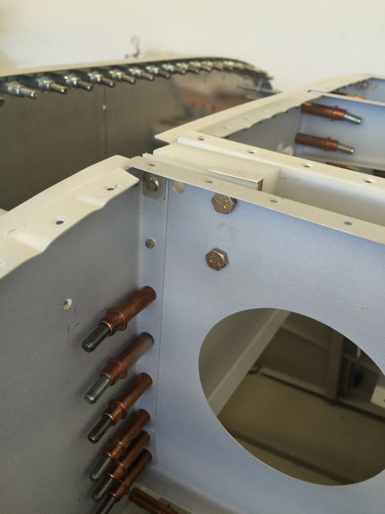 Right hinge spacers