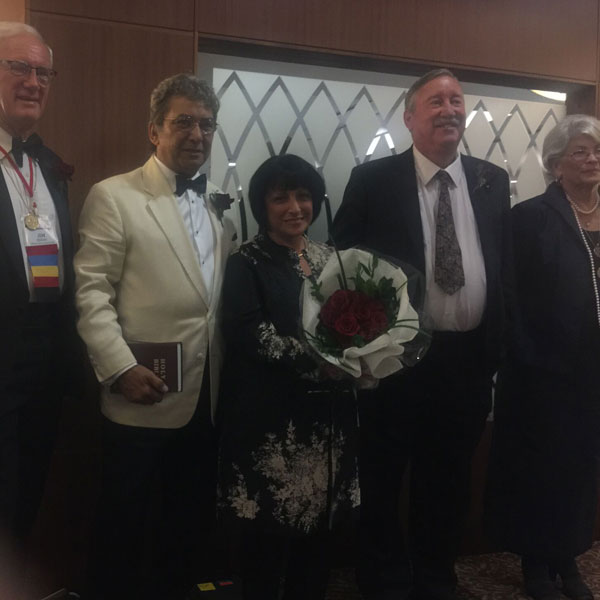 American Rose Society President, Pat Shanley, John DelVecheccio, and past ARS presidents. Jim Herring, Marilyn Wellan, and Jeff Wycoff