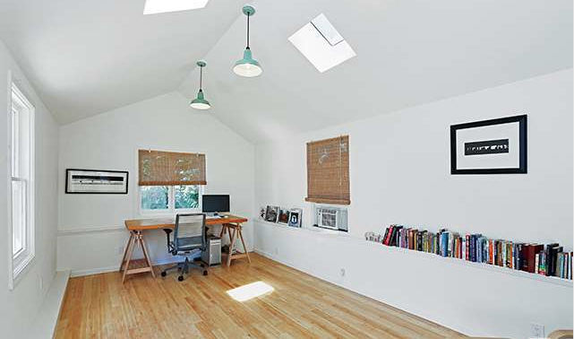 932 W Kensington Studio Inside