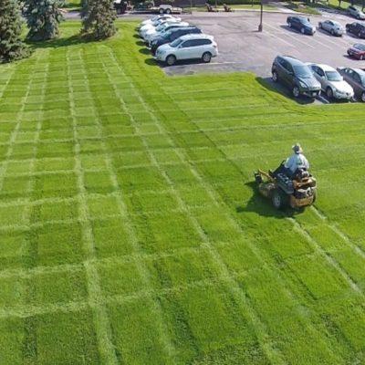 commercial lawn maintenance kenosha, commercial lawn mowing kenosha, business lawn service kenosha