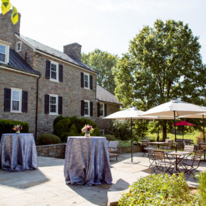 8 Tips for Hosting the Perfect Outdoor Event