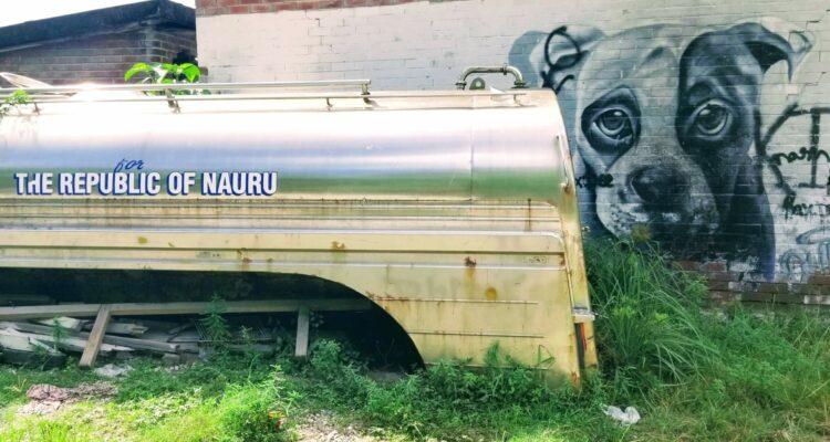 Getting to Nauru typical scenes