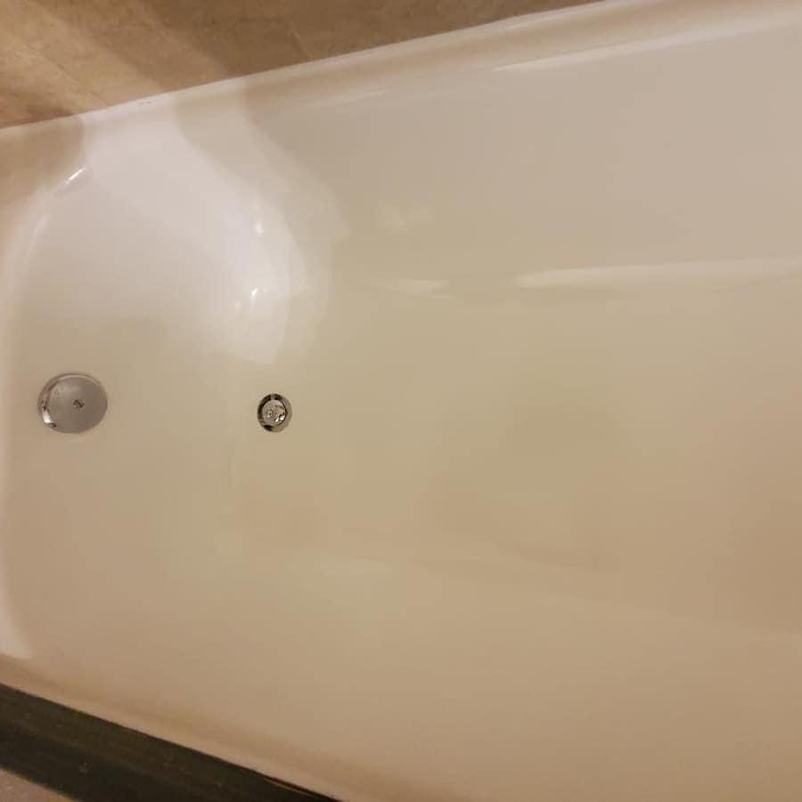 After Bathtub Resurfacing2 - Resurfacing Doctor