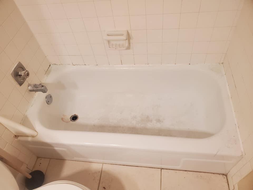 Before Bathtub Resurfacing3 - Resurfacing Doctor
