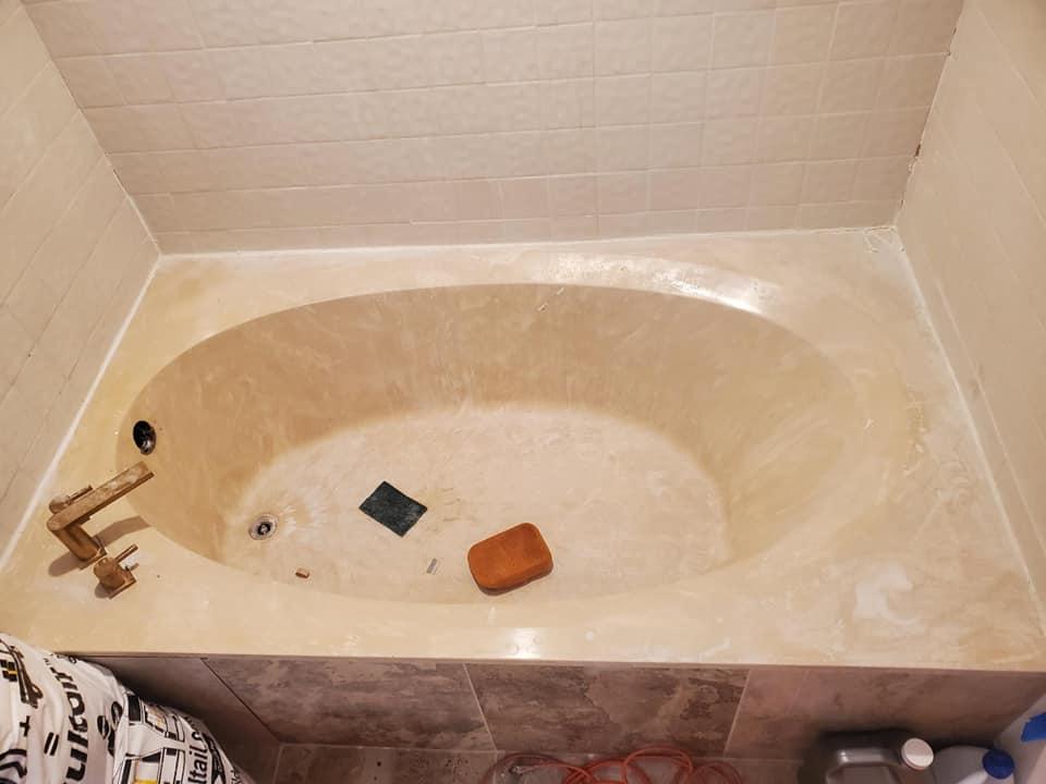 Before Bathtub Resurfacing4 - The Resurfacing Doctor
