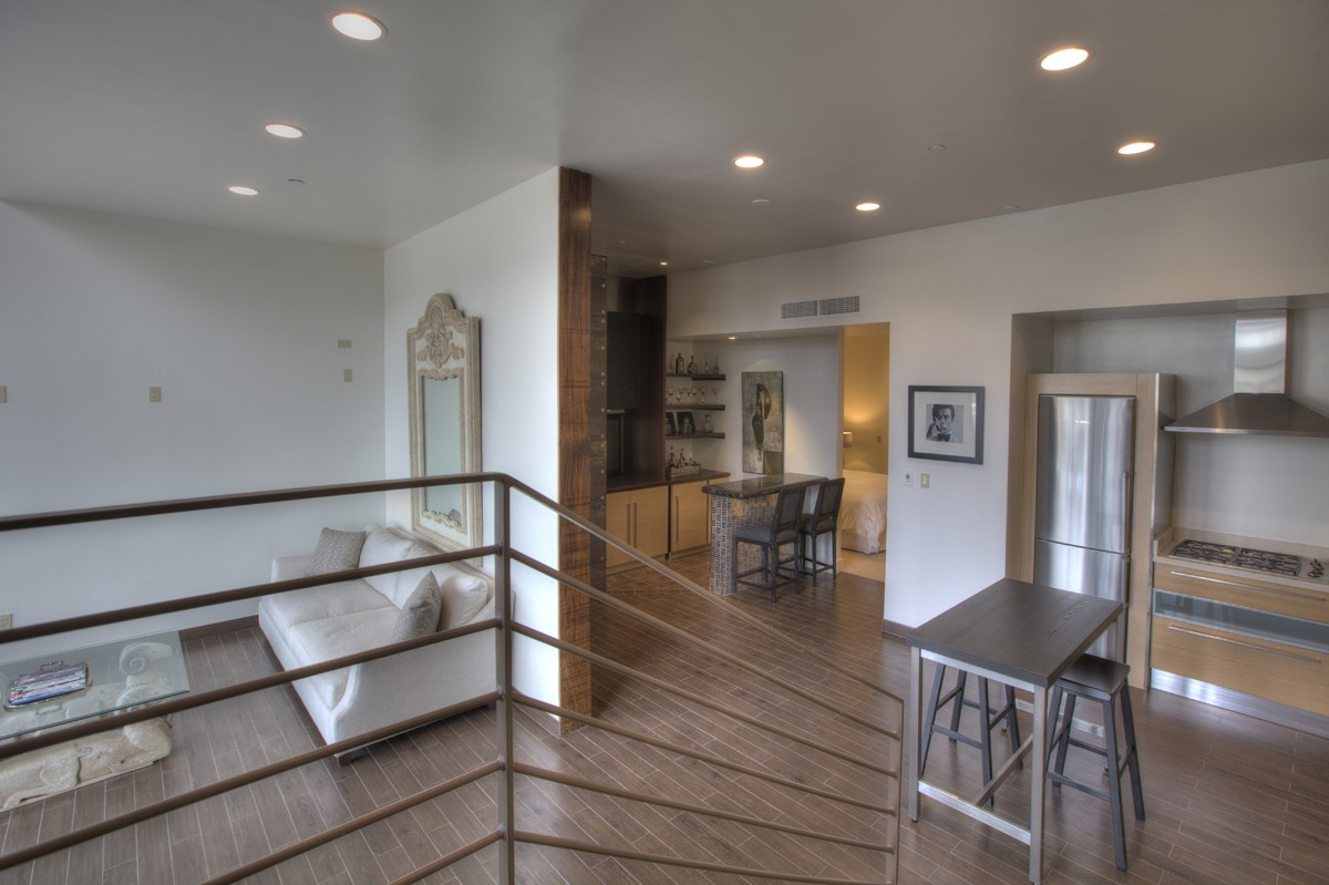 Remodeled- Safari Drive Loft in the Heart of Scottsdale