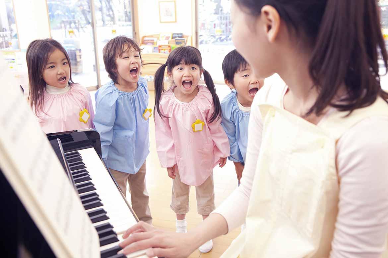 帶領幼兒唱唱又跳跳