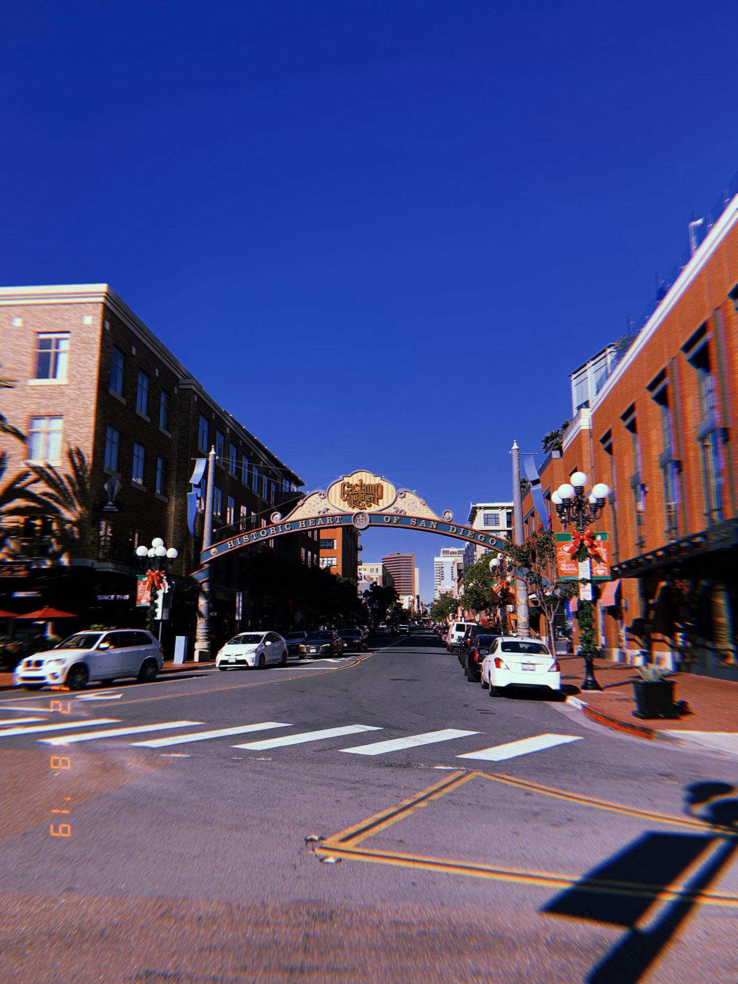 "(alt="""" San Diego, roadtrip, little italy, california, travel, travel blogger, coffee shops, coffee blogger, fashion blogger, lifestyle blogger)"