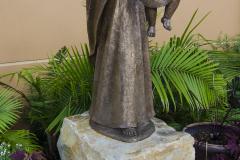 Quartzite boulders statue base