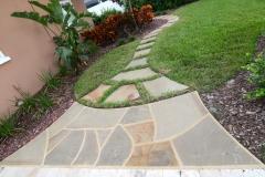Stoop to pathway