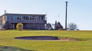 exeter-golf-club-house-ninth-fairway