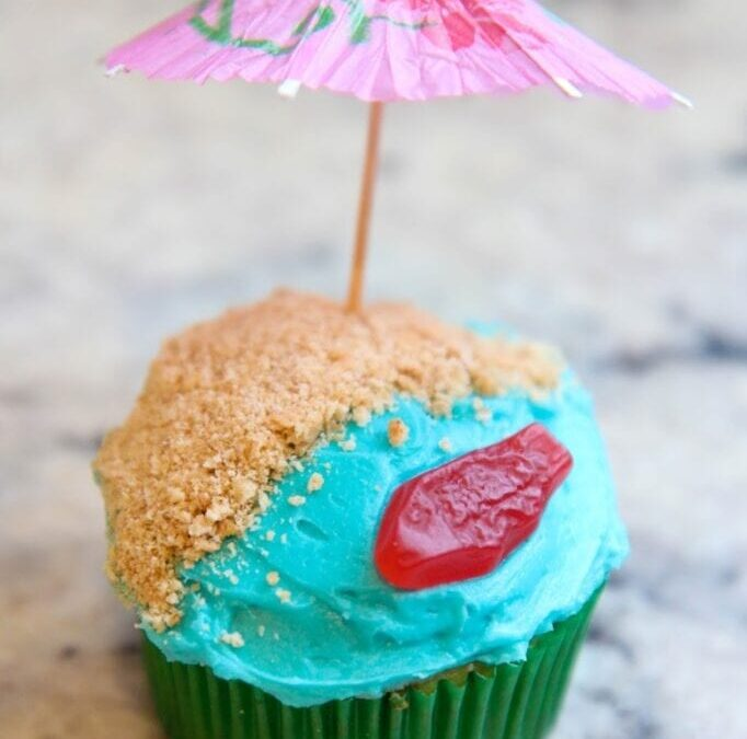 Bake with Me: Easy Beach Themed Cupcakes