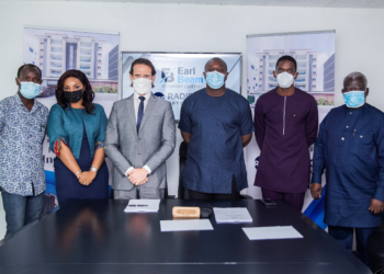 (Left to right): Mr. Ben Armah, Earlbeam Construction Project Manager; Ms. Louisa Afriyie Boateng, Earlbeam Realty Business Operations Manager; Mr. Erwan Garnier, Senior Director, Development, Africa, Radisson Hotel Group; Mr. Alfred Danso Darkwah, CEO, Earlbeam Group of Companies; Mr. Godwin Danso Darkwah, CFO, Earlbeam Group of Companies; and Mr. Blaise Mankwah, Financial Consultant, Renaissance Africa Group.