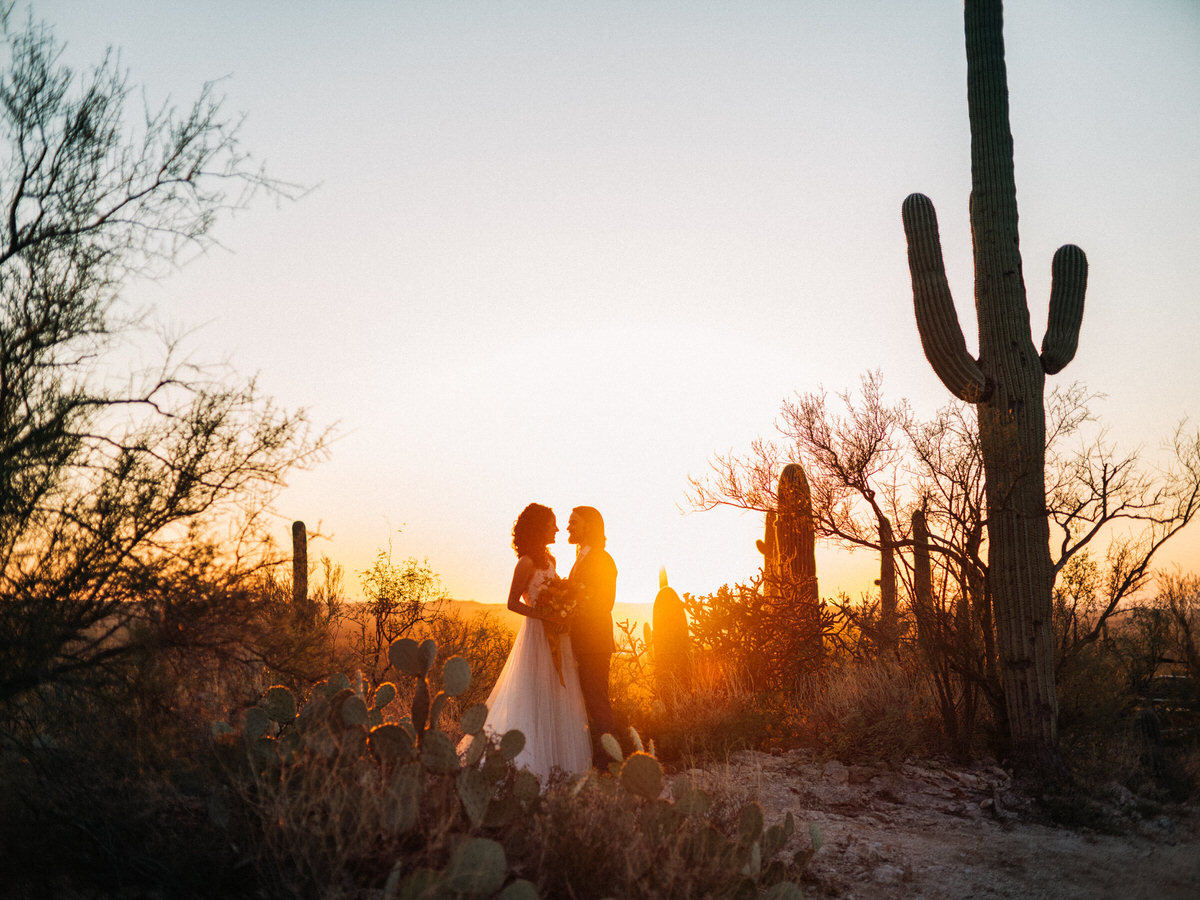 Sunset wedding at Tanque Verde Ranch in Tucson, Arizona
