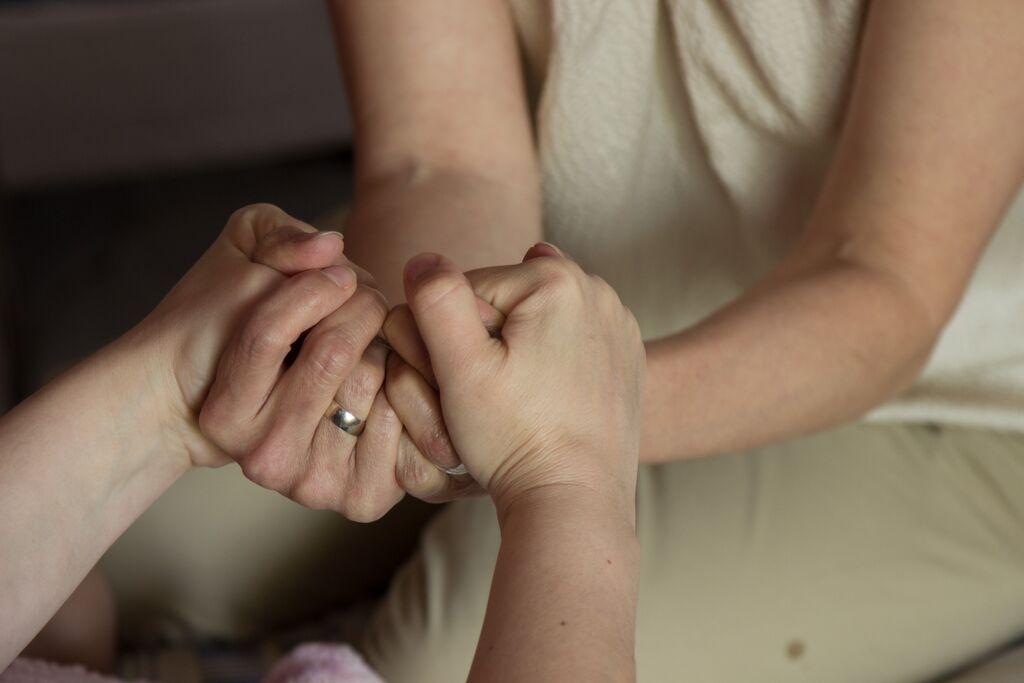 Hands colour