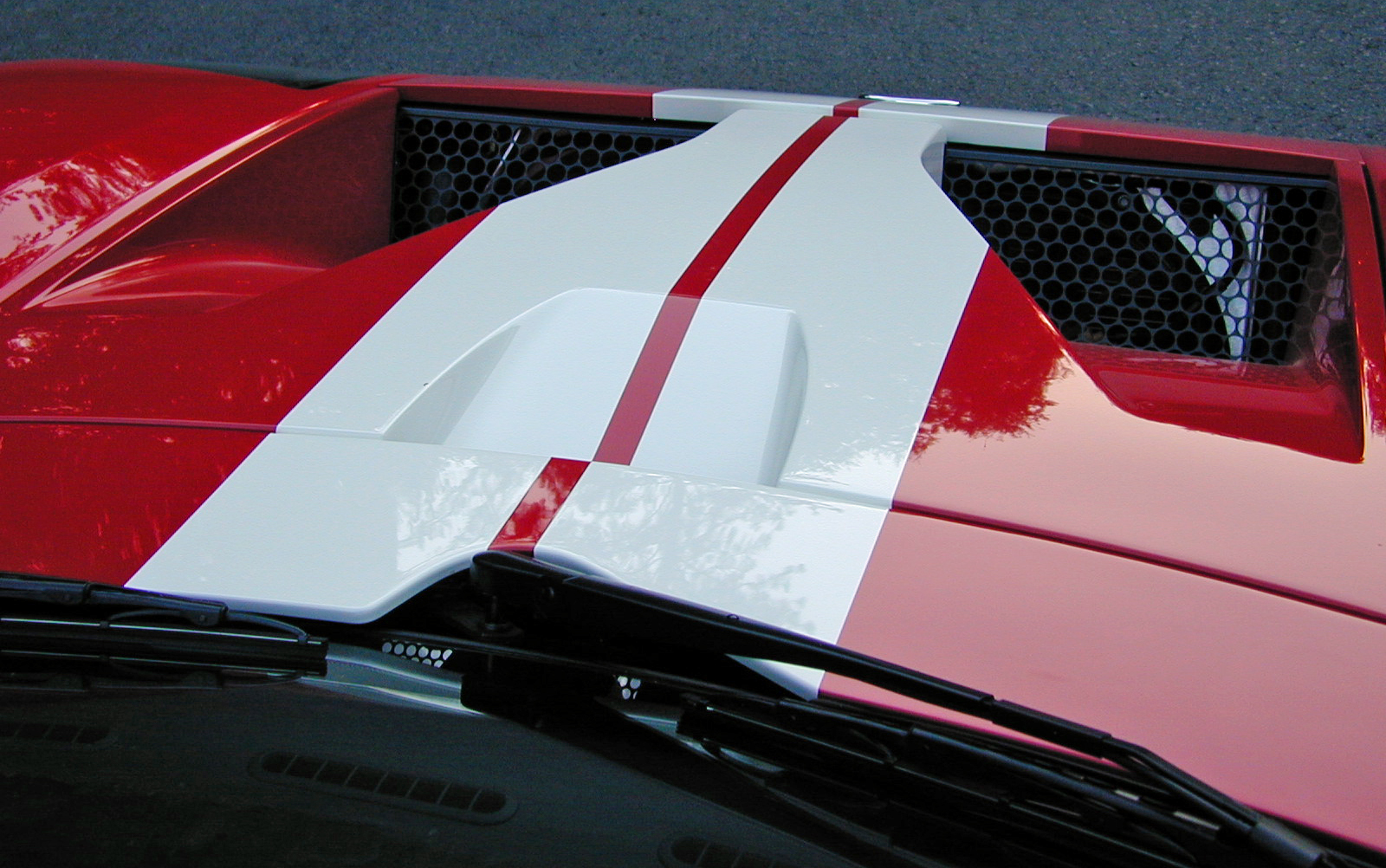 2005 Ford GT Cooling Vents