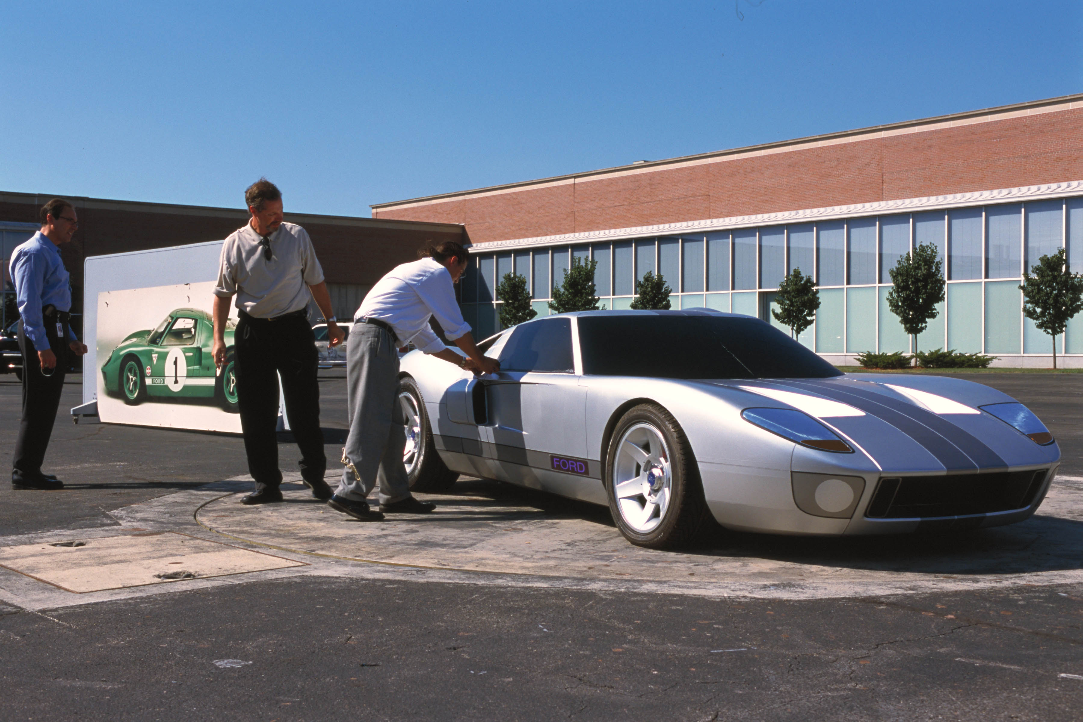 Ford GT40 Concept Design Review