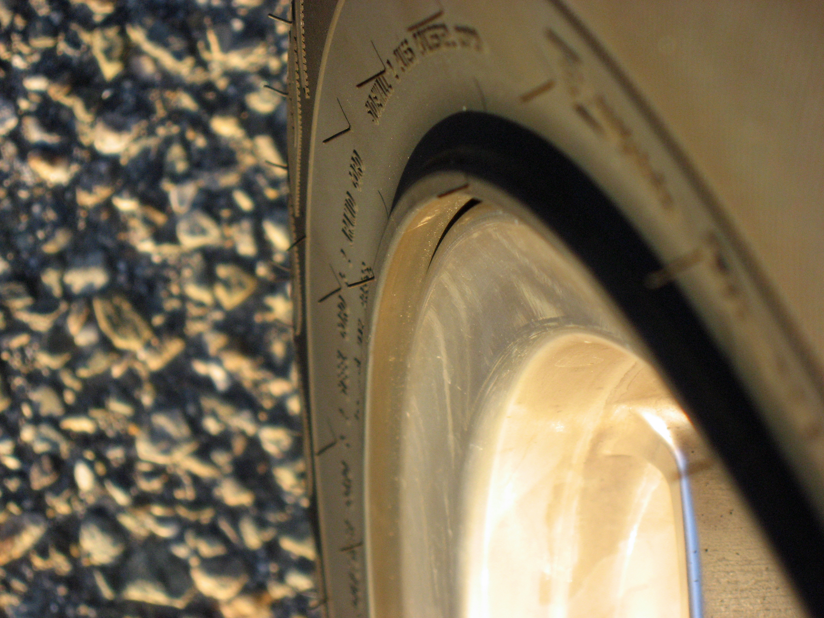 2005 Ford GT Long Term Wheel Protector