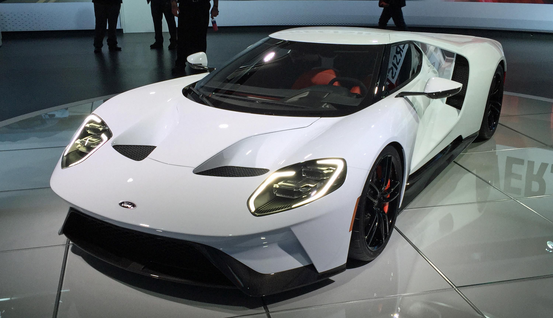 2017 Ford GT White Detroit Auto Show Front