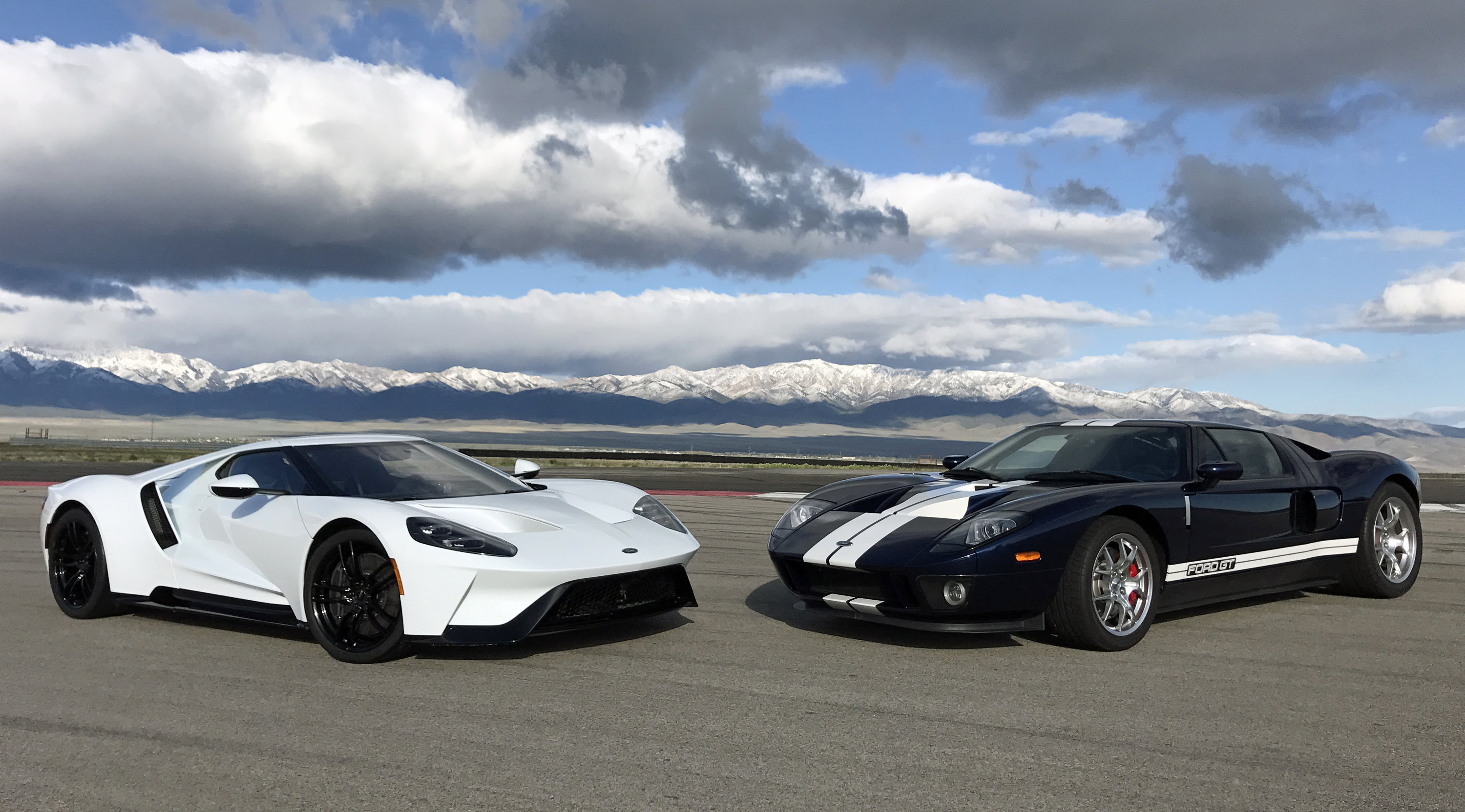 2005 Ford GT versus New Ford GT