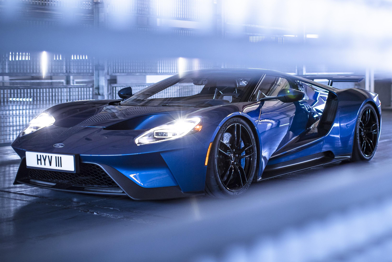 New-Ford-GT-Liquid-Blue-European-Shoot