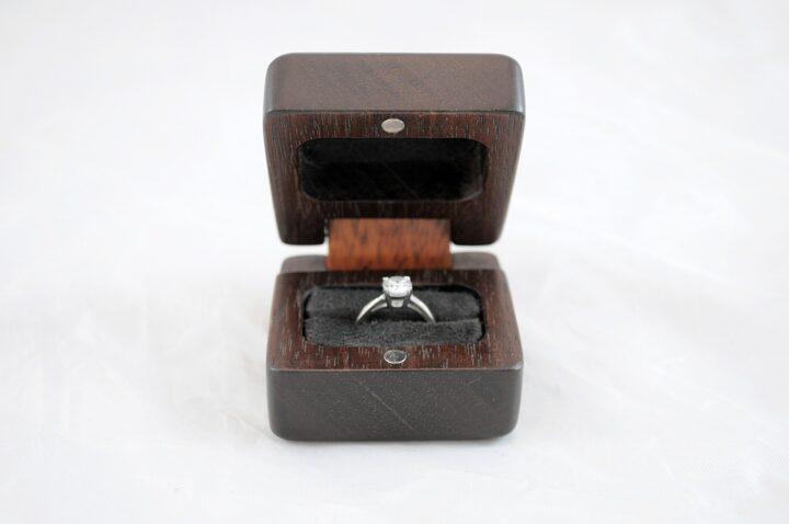 Ring Box - Peruvian Walnut & Jatoba - Front Open