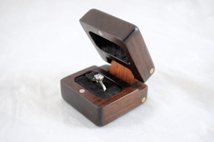 Ring Box - Peruvian Walnut & Jatoba - Side Open