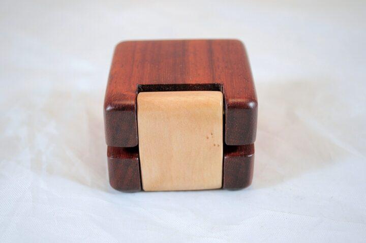 ERB-148 Padauk & Curly Soft Maple - Hinge