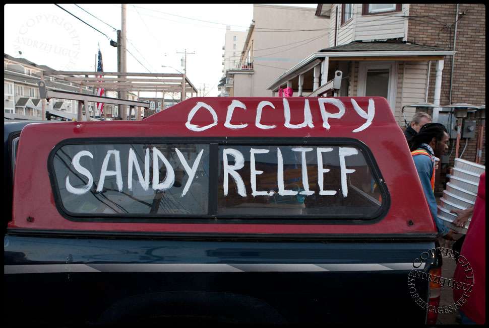 Occupy Sandy Relief at Veggie Island in The Rockaways © Andrzej Liguz/moreimages.net. Not to be used without permission.