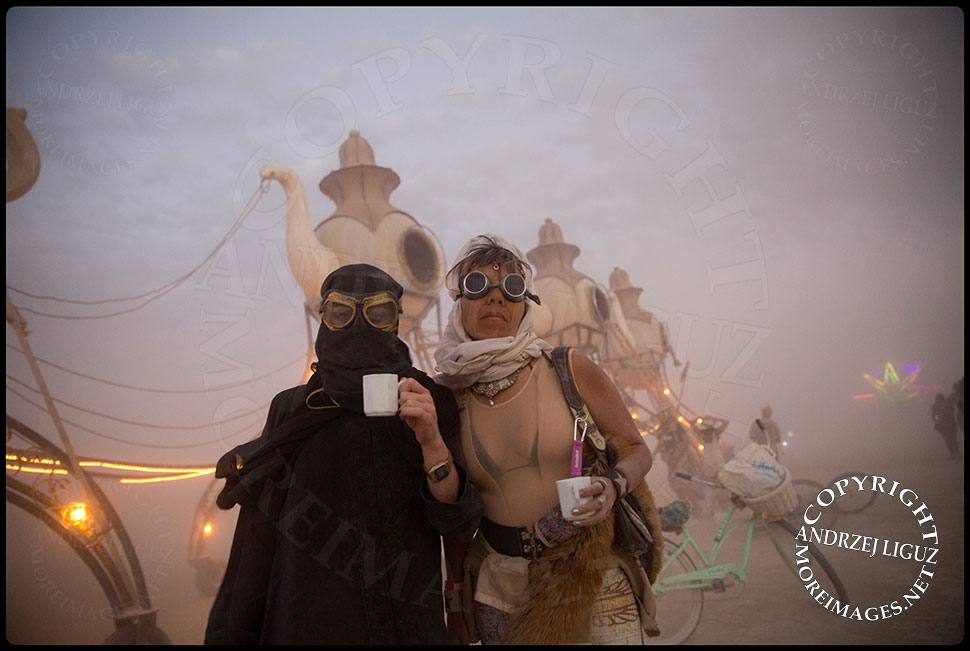 The Lost Tea Party at Burning Man 2014 © Andrzej Liguz/moreimages.net. Not to be used without permission
