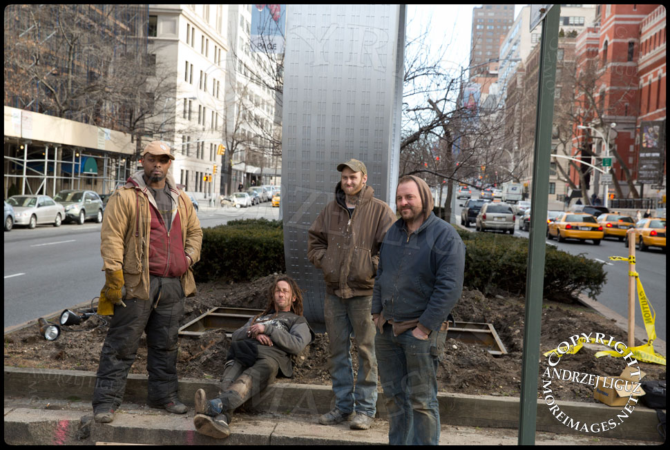 The crew that installed the Park Avenue Sculptures by artist Alexandre Arrechea and fabricated by Joshua Young of Serett Metal © Andrzej Liguz/moreimages.net. Not to be used without permission