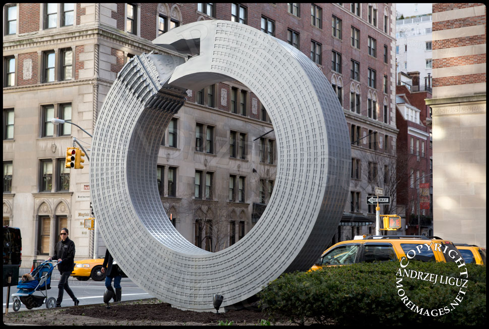 Helmsley Sculpture, Park Ave and 65th St © Andrzej Liguz/moreimages.net. Not to be used without permission