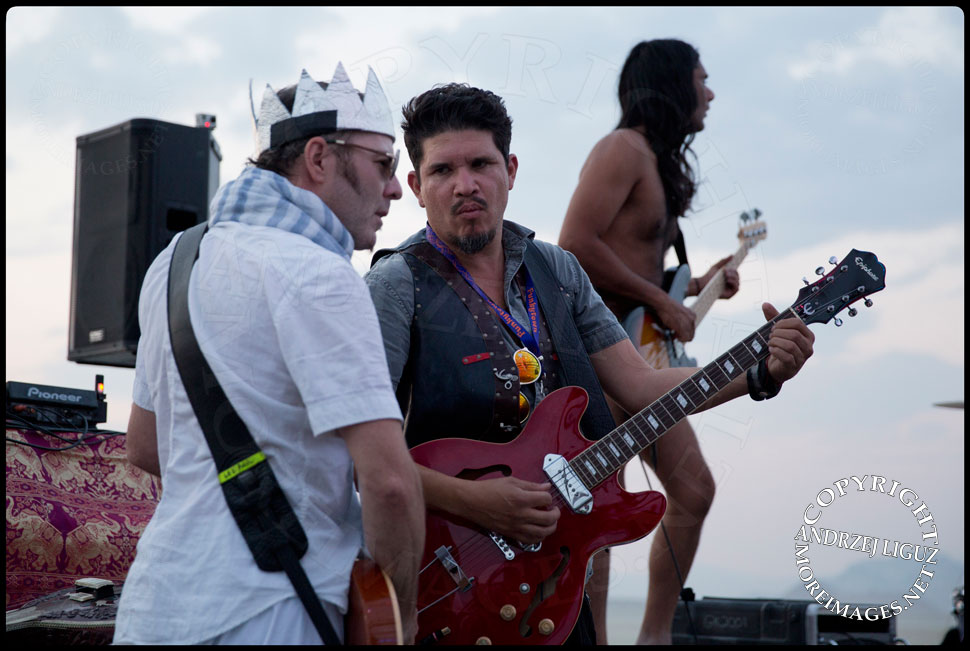 Rob Myers, Rob Garza, & Ashish from Thievery Corp performing at Burning Man © Andrzej Liguz/moreimages.net. Not to be used without permission
